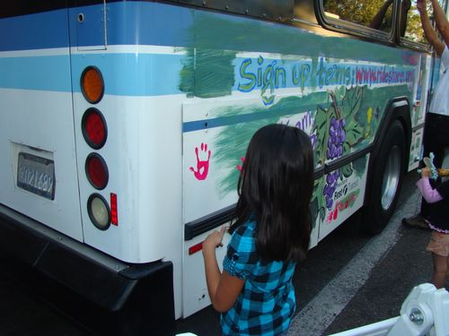 FARMERS MARKET BUS PAINTING-OCT 1ST-2009 039